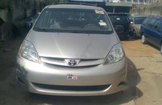 Toyota Sienna 2007 LE 4WD Silver color for sale