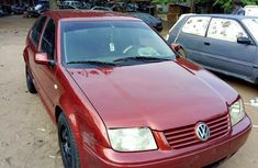 Volkswagen Bora 2000 1.6 Red for sale