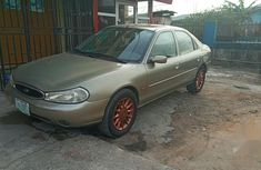 Ford Mondeo 2000 Gold for sale