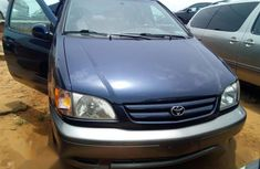 Power steering Toyota Sienna 2003 Blue color for sale