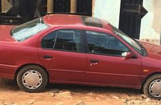 Nissan Primera 2000 Red  for sale