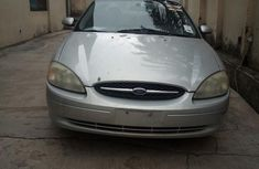 Clean direct used silver 2002 Ford Taurus automatic