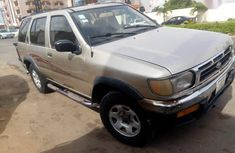 Nissan Pathfinder 2000 Gold for sale