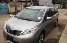 Toyota Sienna 2013 Limited AWD 7-Passenger Gray for sale