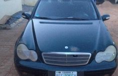 Mercedes-Benz C200 2005 Green color for sale