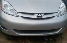 Toyota Sienna LE 4WD 2007 Silver color for sale