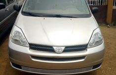 Toyota Sienna 2004 CE FWD (3.3L V6 5A) Gray for sale