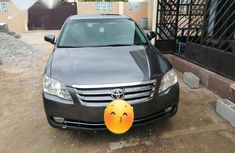 Nigerian used Toyota Avalon 2005 Gray color for sale