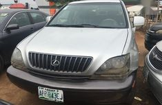 Clean and neat Lexus RX 2000 Silver color for sale