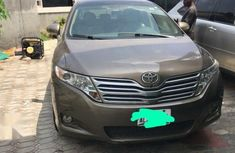 Buy and cruise Toyota Venza V6 2011 Brown color for sale