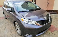 Toyota Sienna 2013 LE FWD 8-Passenger Gray for sale