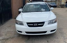 Hyundai Sonata 2007 2.4 Automatic White for sale