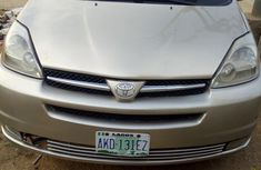 Toyota Sienna 2004 Brown for sale