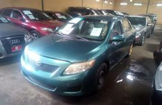 Need to sell used 2010 Aston Martin Corolla in Lagos at cheap price