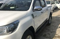 Semi brand New  Toyota Hilux 2017 White color for sale