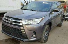 2017 Toyota Highlander Gray for sale