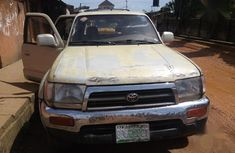 Toyota 4-Runner 2000 perfectly working Brown color for sale