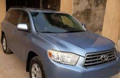 Well maintained blue 2008 Aston Martin Highlander automatic for sale in Lagos