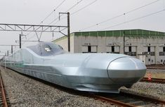 Watch the world fastest bullet train to reach 249 mph being tested in Japan
