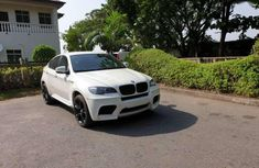 Sell white 2012 BMW M6 automatic at cheap price