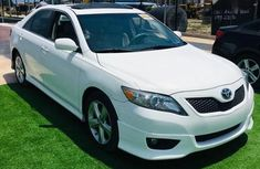 A foreign used Toyota Camry 2010 White color for sale