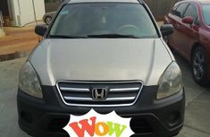Honda CR-V 2005 Automatic Gold for sale