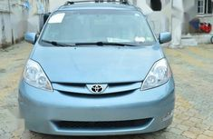 Toyota Sienna 2010 XLE 7 Passenger Blue color for sale