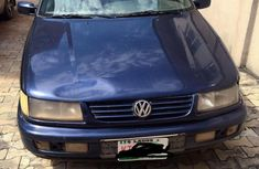 Volkswagen Passat 1995 Blue for sale