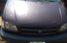 Very clean Toyota Sienna 2002 Brown color for sale