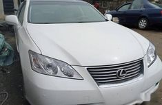 Very clean Lexus ES 2008 350 White color for sale