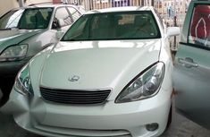 Clean Tokunbo Lexus Es330 2005 White for sale