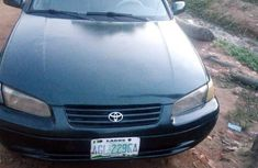 Very clean Toyota Camry 2000 Green color for sale
