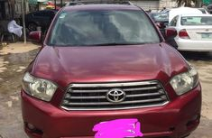 Very neatly used Toyota Highlander 2009 V6 Red  color for sale