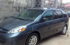 Toyota Sienna 2008 Gray for sale