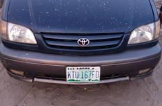 Clean interior Toyota Sienna 2002 Blue color for sale