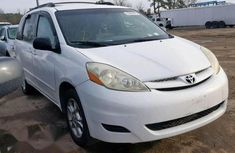 Foreign used  Toyota Sienna 2007 LE 4WD White color for sale