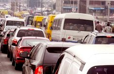 Heavy rainfall locks Lagos-Badagry expressway in traffic