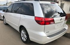 Neatly used Toyota sienna 2005 vvt-i v6 engine capacity