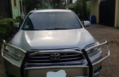 Neatly 2010 Toyota Highlander V6
