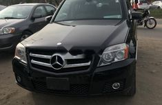 Selling black 2010 Mercedes-Benz GLK automatic in Lagos