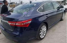 Selling 2014 Toyota Avalon automatic at mileage 42,558 in Lagos