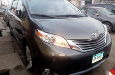 Sell used grey/silver 2011 Toyota Sienna van / minibus at price ₦7,700,000