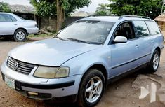 Sell cheap blue 2001 Volkswagen Passat automatic in Oyo