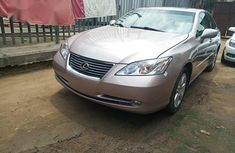 Selling 2009 Lexus ES sedan at price ₦3,600,000 in Lagos