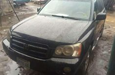 Sell well kept 2003 Toyota Highlander suv automatic at price ₦1,300,000