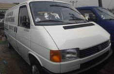 Sell used white 1999 Volkswagen Transporter suv / crossover at price ₦1,700,000