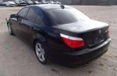 Selling black 2006 BMW 528i in Abuja