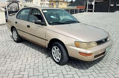 Selling gold 1996 Toyota Corolla automatic in good condition in Lagos