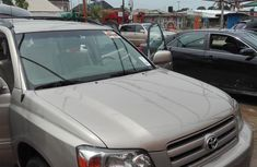 Sell used gold 2006 Toyota Highlander suv / crossover automatic