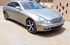 Mercedes-Benz CLS 2007 500 Brown for sale